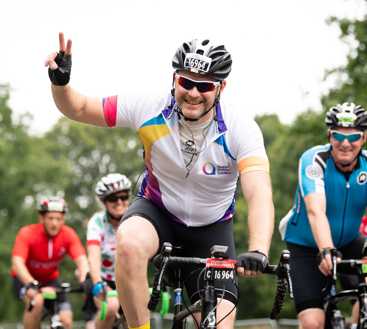 Cyclists take part in Prudential RideLondon 100 to raise money for The National Autistic Society. // Photography by www.sportsphotographer.co.uk